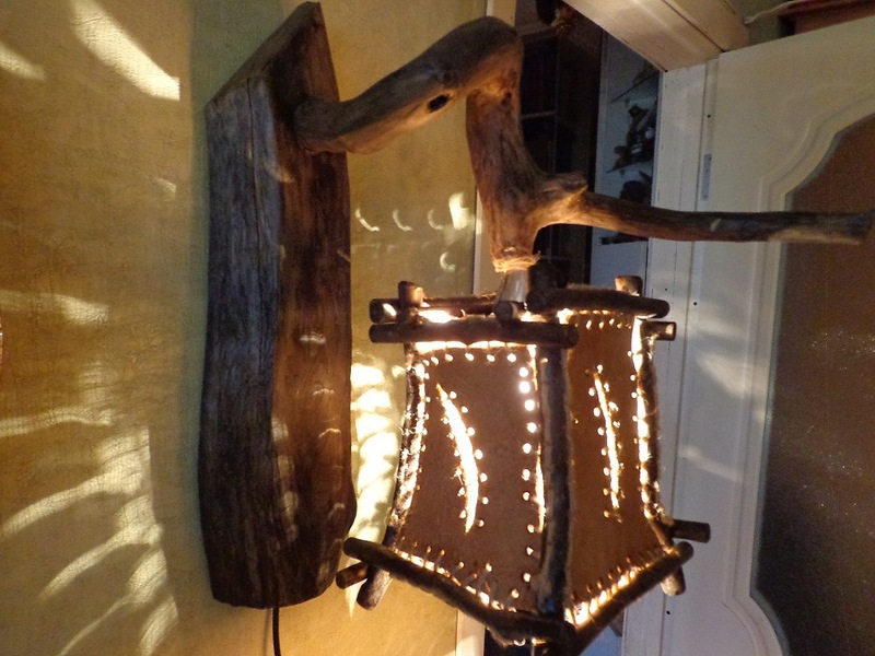 Настенные светильники из дерева